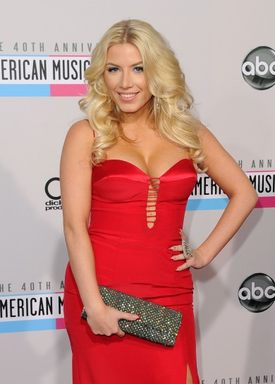 Grace-Valerie-40th-Annual-American-Music-Awards-2