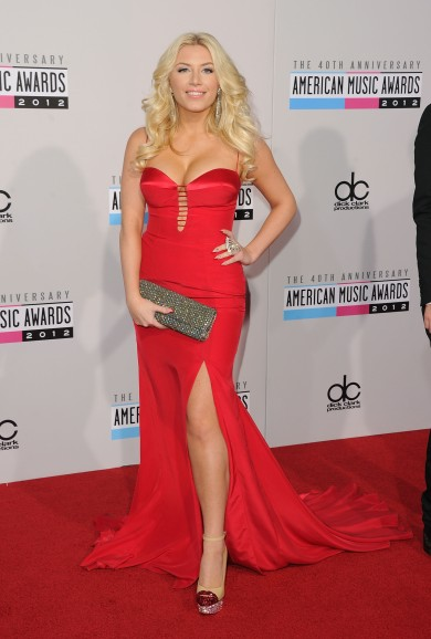 Grace-Valerie-40th-Annual-American-Music-Awards-3